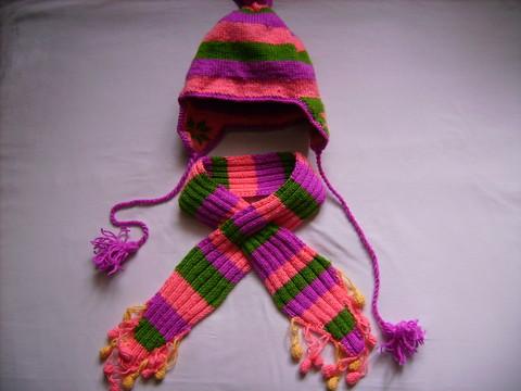 Шапочка связана в технике двойного вязания - шапочка получается двойная...