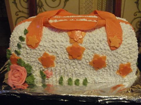 Вот хочу показать вам еще несколько тортиков.  Так же все...
