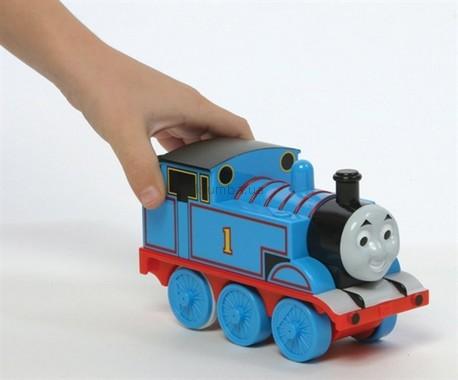 Детская игрушка Tomy Паровозик Томас со звуковыми эффектами