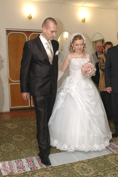 Продам свадебное платье размер 46-48. фото №1