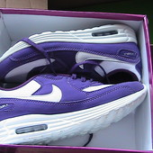 кроссовки новые 39-40 Nike Air