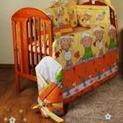 Защита и постельное в детскую кроватку . Барашки