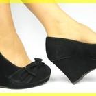 Черные туфельки на танкетке