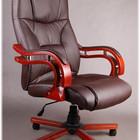 Офисное кресло руководителя Кардинал, коричневое