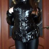 Красивая зимняя курточка))