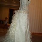 Продам шикарное кружевное свадебное платье с Германии усыпаное жемчегом 44-48 размера