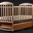 Детская кроватка Наталка с ящиком темная и светлая.