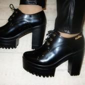 Туфли женские черные тракторная подошва Т469 р.36,38