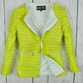 Женская демисезонная  неоновая куртка