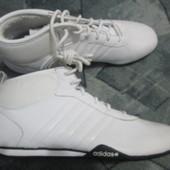 Кроссовки Adidas v45852 UK9.5 (28cм) утеплённые