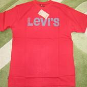 Качественные муж. футболки Levis. L, XL. цвета