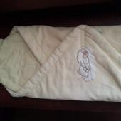 Тепленький фирменый набор желтенький одеялко и подушечка для новорожденных
