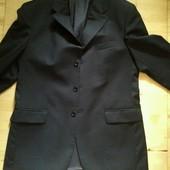 Мужской черный костюм Bacard
