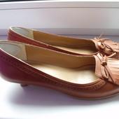 Классные кожаные туфли р.5 стелька 24,5 см