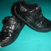 Фирменные Clarks 30 p  кожаные стильные кроссовки для мальчика