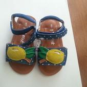 Синие сандалии в горошек на девочку фирмы Next