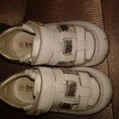 Летние туфельки Beeko. Подойдут как девочке так и мальчику р.22  стелька 13,5 см