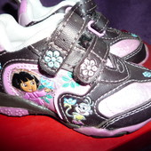 Кроссовки  для девочки  13,5-14 см
