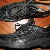 фирменные  туфли  -  кожа-  ф.  Hazard   размер  44  -  28  см