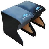 Подлокотник для Форд Фокус крепиться между передними сидениями. Цвета на выбор. Цена 230грн.