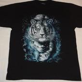 продам красивую мужскую футболку с белым тигром. размер XL 100% хлопок.