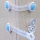 Замок безопасности для мебели- пластмассовый Цвет голубой