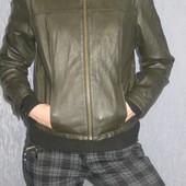 оливковая курточка кожзам р. М в идеальном состоянии