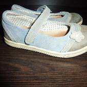 продам туфли по стельке 15,5 см.