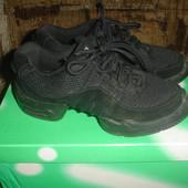 Фирменные Bloch стильные замшевые кроссовки на 35,5 размер