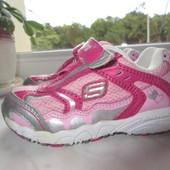 Продам кожаные кроссовки Skechers 21 р