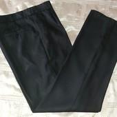 Деловые современные брюки р.48