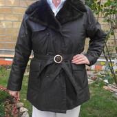 Тёплая куртка с меховым воротником. Германия. Размер: 44 / 16 / XXL