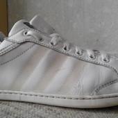 Кроссовки кожаные Adidas р.42(оригинал)