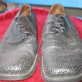 Шкіряні туфлі 42 розміру.