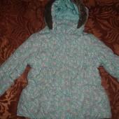 Фирменная демисезонная куртка девочке 3-4 лет
