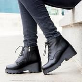 Новинка!Черные кожанные ботинки на каблуке(тракторная подошва).Зима 2017