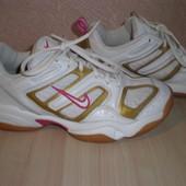 Кроссовки Nike р.39 Оригинал