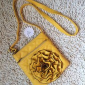 стеганая сумочка через плечо с цветком