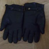 Мужские кожаные перчатки черного цвета. Размер 8. Б/у.