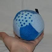 Развивающий мягкий мячик погремушка вашему малышу