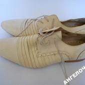 Туфли молочного цвета р.43