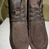 Замшевые ботинки Calvin Klein,раз 40 ,темно-коричневые,серые ,танкетка 2-10см,колодка очень удобная