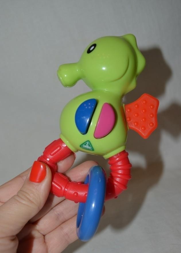 Погремушка прорезыватель фирменный для малыша с колечком пищалкой трещоткой мазекеа mothercare фото №1