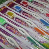 Зубная щетка. Дает максимально хороший результат чистки зубов, удобный изгиб ручки.