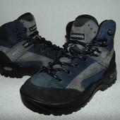Трекинговые ботинки Lowa 31р-р,по стельке 20 см.Мега выбор обуви и одежды!