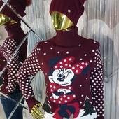 Бордовый свитер с орнаментом Минни Маус