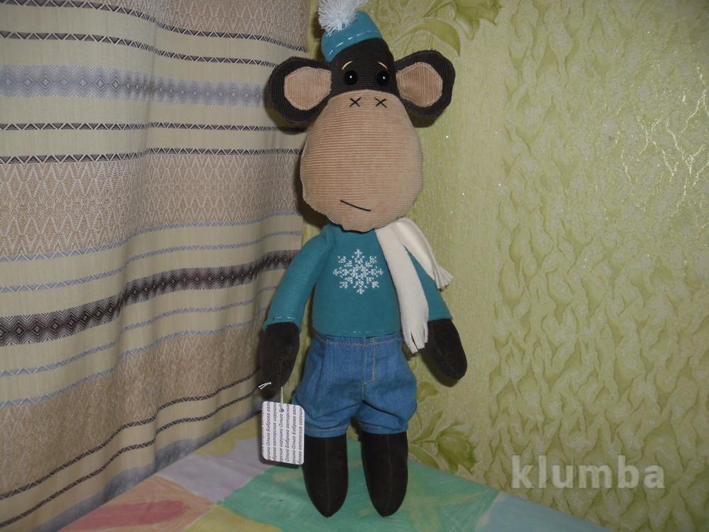 Мягкая игрушка обезьяна в зимней одёжке фото №1