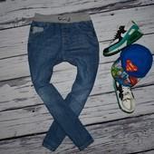 9 - 10 лет 140 см Обалденные фирменные джинсы спортивные для моднявок