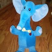 Интерактивный слон повторюшка