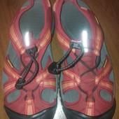 Keen Owyhee внедорожные сандалии